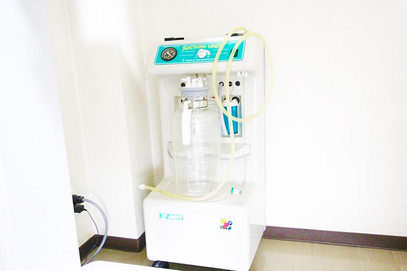 外科用口腔内吸引装置